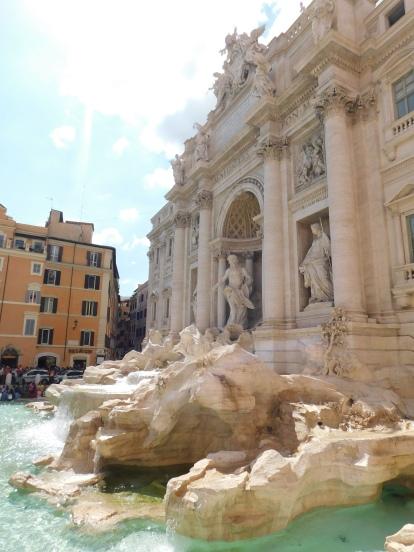 10 reasons to visit Rome - Fontana di Trevi