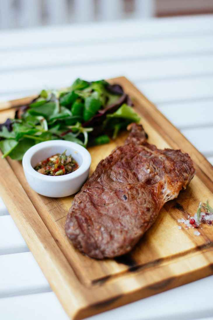 10 iron-rich foods to add to your weekly menu - beef steak